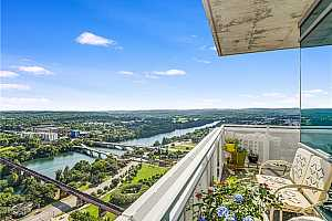 MLS # 6543633 : 222 WEST AVE 2602