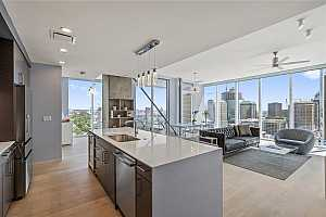 MLS # 5880150 : 301 WEST AVE 2304