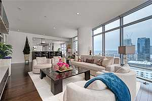 MLS # 3256603 : 200 CONGRESS AVE 18AE