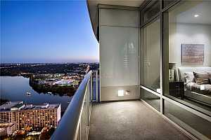 MLS # 5110681 : 200 CONGRESS AVE 33BB