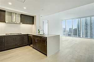 MLS # 2621535 : 301 WEST AVE 2504