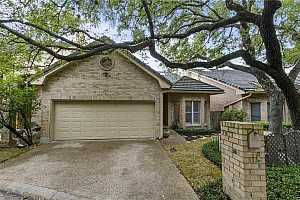 Browse active condo listings in ONION CREEK COURTYARD