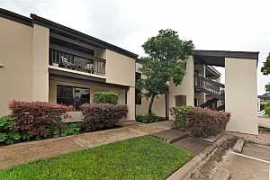 Browse active condo listings in TOWERS TOWN LAKE