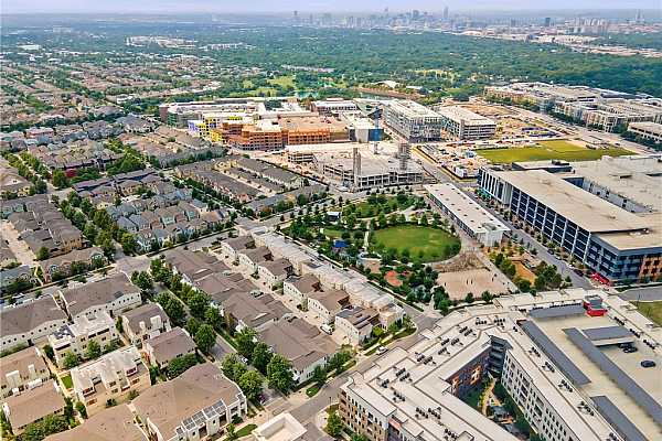 Photo #29 Such great proximity to the Mueller Market district with Starbucks, HEB, Xian, Torchy