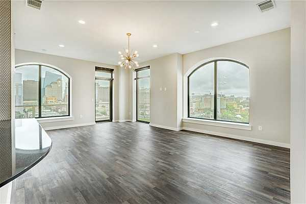 Photo #6 Expansive unobstructed views from living area