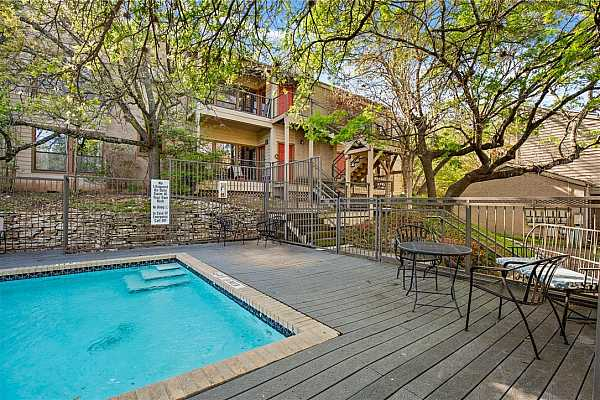 Photo #26 This condo is conveniently located just 10 minutes from The Domain and 15 minutes from Downtown Austin!