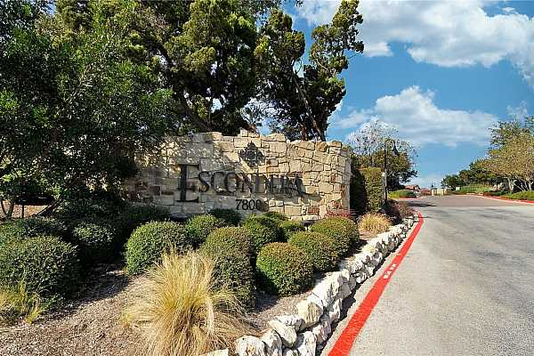 Photo #24 Community amenities include a fitness center, a sparkling resort-style pool, and common areas where you can sit and soak in the spectacular Hill Country views.
