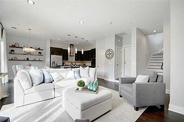Photo #6 Modern, fresh, chic, transitional style with open floor plan to gourmet kitchen, neutral paint, breakfast nook, pantry, recessed lighting, pendant lights, first floor powder and hard wood floors.
