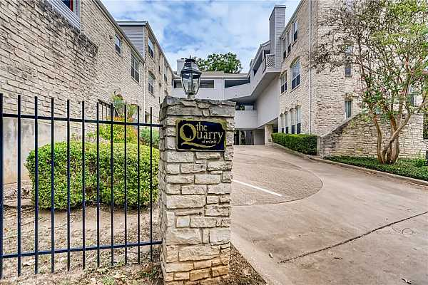 Photo #11 Centrally located small complex is close to Mopac, yet tucked away on a quiet street.