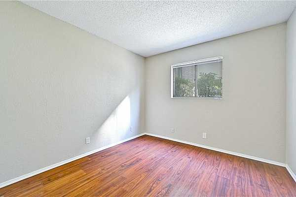 Photo #25 This versatile space is ready to become a guest room or home office.