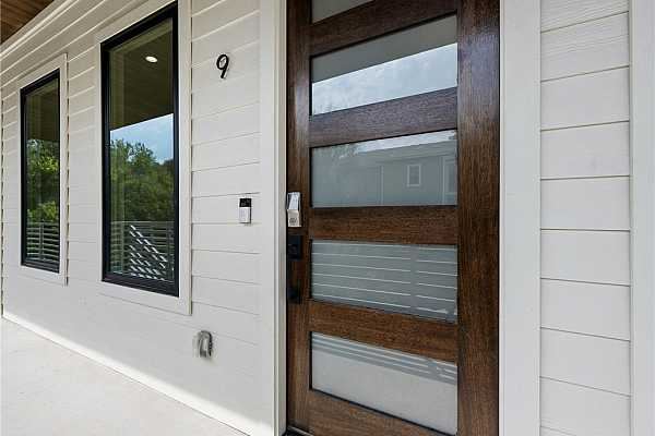 Photo #22 Formal entry example. Ring Doorbell is included.